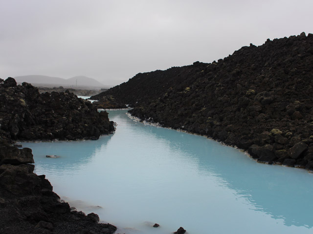 black_lava_at_blue_lagoon.jpg