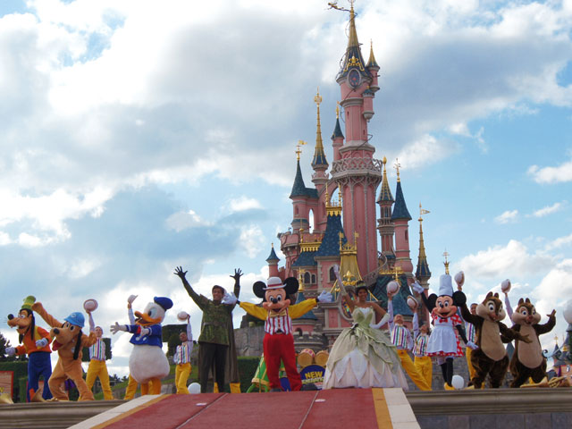 mickey_disney_paris.jpg